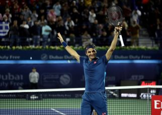Federer beat Tsitsipas to win his 100th title