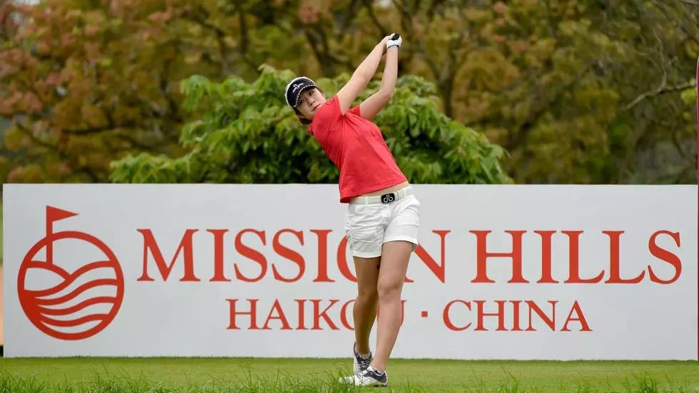 first female golfer zhang jienalin