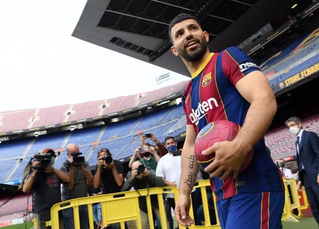 Sergio Aguero was unveiled as a Barcelona player on Monday and hopes to play alongside Lionel Messi